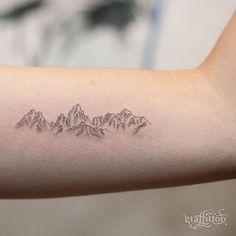 산 :-) - #타투 #그라피투 #타투이스트리버 #디자인 #그림 #디자인 #아트 #일러스트 #tattoo #graffittoo #tattooistRiver #design #painting #drawing #art #Korea #KoreaTattoo #mountain #linetattoo #산 #라인타투