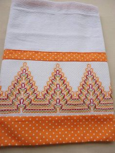 I like the fabric strips Swedish Embroidery, Towel Embroidery, Types Of Embroidery, Hand Embroidery Stitches, Hand Embroidery Designs, Ribbon Embroidery, Huck Towels, Swedish Weaving Patterns, Cross Stitch Patterns