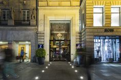 Oldie but Goldie: Neueröffnung des Hotel Zoo in Berlin Design Hotel, Restaurant Interior Design, Berlin Hotel, Magazine Deco, Zoo Photos, Boutique Deco, Fine Hotels, Cottage, Das Hotel