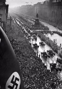 Victory parade in Berlin after the victory over France in 1940