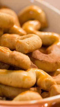 Portuguese Biscoitos Recipe, Portuguese Recipes, Beignets, Biscuits, Corn Dogs, Chocolate, Pretzel Bites, Cooking Time, Food And Drink