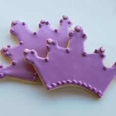Crown cookie favors by Whipped Bakeshop in Philadelphia. Hand-piped cookies for your favorite princess! Pink Princess Party, Pretty Pink Princess, Pretty In Pink, Party Fun, Tea Party, Party Ideas, Crown Cookies, Afternoon Tea Parties, Cookie Favors