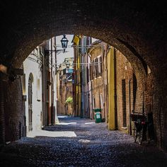 """""""There are places that you don't know what to expect. Others, that you don't expect much from. Ferrara was one of them. And how was I wrong! It is a beautiful, mysterious city that seems to be full of stories and legends"""" #blogville #ferrara - Instagram by vvagabondages"""