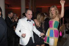 Laurencio Adot, con traje Gucci, y Lily Sciorra, con total look Moschino. Foto: /Juan Huerta