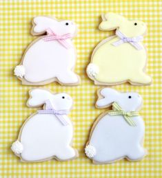2015 easter Bunny Cookies, 2015 easter decorated cookies, 2015 easter food ideas - LoveItSoMuch.com