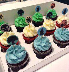 """Magic: The Gathering"" Cupcakes"