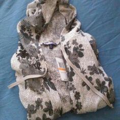 lightweight hooded duster Gray/black hooded duster/new with tag Macy's  Sweaters
