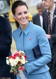 Herzogin von Cambridge, Jenny Packham and Cambridge on Pinterest