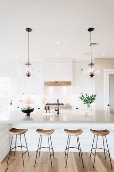 50 Best Modern Farmhouse Kitchen Island Decor Ideas - Before After DIY Farmhouse Kitchen Island, Kitchen Island Decor, Modern Farmhouse Kitchens, Home Decor Kitchen, Rustic Kitchen, Kitchen Interior, Home Kitchens, Farmhouse Style, Kitchen Ideas