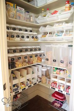 Holy Moly! Now this is an organized pantry! Via Shanty 2 Chic