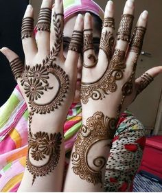 Mehndi Design Girls which is for especially for the younger girls and for this Festive Season and for also the wedding season. These are the best Mehndi Design Girls. Mehndi is an important part of our Culture. Henna Hand Designs, Mehndi Designs Finger, Simple Arabic Mehndi Designs, Legs Mehndi Design, Mehndi Designs For Beginners, Modern Mehndi Designs, Mehndi Design Pictures, Mehndi Designs For Fingers, Beautiful Mehndi Design