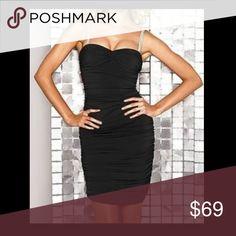 🆕 NWOT / Victoria's Secret Rhinestone Dress • Victoria's Secret dress made by Moda International • Material: shell (95% polyester, 5% spandex); lining (100% polyester) • NWOT (never had a tag) Moda International Dresses Midi
