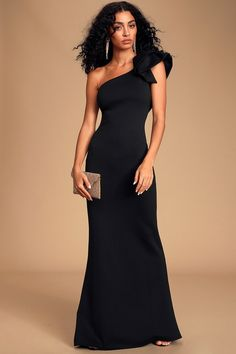 The Lulus Fete Ready Black One-Shoulder Maxi Dress is always up for the occasion! Sexy scuba knit maxi dress with a one-shoulder neckline and a bow detail. Sexy Maxi Dress, Sexy Dresses, Long Dresses, Party Dresses, Black Bridesmaids, Bridesmaid Dresses, New Years Eve Dresses, Maxi Styles, Online Dress Shopping