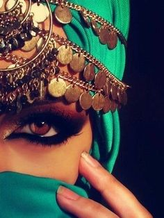 Bedouin beauty - when a woman wears a hijab (head scarf) oft.- Bedouin beauty – when a woman wears a hijab (head scarf) often times she will really dress up her eyes. The eyes are the windows to the soul right? Source by - Beauty Makeup, Hair Makeup, Hair Beauty, Makeup Style, Hijab Makeup, Gypsy Makeup, Eyeshadow Makeup, Arabic Eyes, Speak Arabic