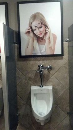 25 Insane Restroom Fails That Will Make You Think Twice Before Doing Your Business Bathroom Humor, The Funny, Fails, Funny Pictures, Funny Selfie, Selfie Quotes, Hilarious Pictures, Wall Pictures, All About Time