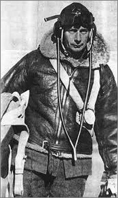 Lloyd Trigg. Новозеландец Ллойд Тригг и экипаж бомбардировщика погибли, но потопили немецкую подводную лодку U-468. 11 августа 1943 года  В тот день пайлэт-офицер Ллойд Тригг на четырехмоторном бомбардировщике Консолидейтед «Либерейтор» Mk. V (Consolidated «Liberator») из 200-й эскадрильи британских ВВС (200 Sqdn. RAF) выполнял патрульный полет над Атлантическим океаном, в районе побережья Западной Африки. В точке с координатами 12° 20' с. ш. и 20° 07' з. д., приблизительно в 430 км...