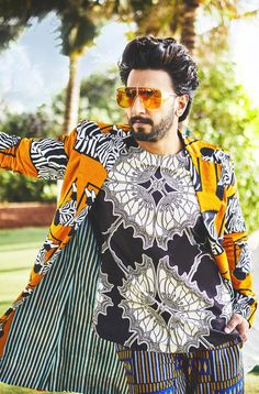 Ranveer Singh  #FASHION #STYLE #SEXY #BOLLYWOOD #INDIA #RanveerSingh Ranveer Singh Hairstyle, Ranveer Singh Beard, Bollywood Actors, Bollywood Fashion, Bollywood Style, Colorful Fashion, New Fashion, Celebs, Celebrities