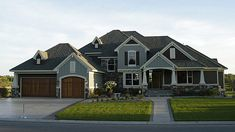 this is my dream house ... well if the garage was on the side of the house, it would be perfect.