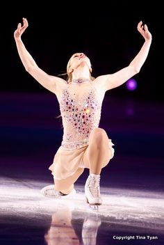 Joannie Rochette Winter Olympics 2010 she skated a flawless program 6 hours after her Mother's sudden death.