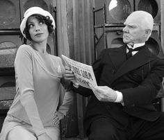 """Berenice Bejo wears a cloche hat and flapper dress as Peppy Miller in """"The Artist."""" The were the beginning of modern fashion, when women ditched corsets, cut their hair and wore shorter, body-conscious dresses. Oscar Best Picture, Best Picture Winners, Oscar Films, Dc Comics, Malcolm, The Artist Movie, Game Of Thrones, Nostalgia, French Movies"""