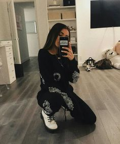 Photo shared by Madison Beer on June 2018 tagging Estilo Madison Beer, Madison Beer Style, Madison Beer Outfits, Instagram Pose, Instagram Outfits, Madison Beer Instagram, Estilo Swag, Selfie Poses, Looks Style