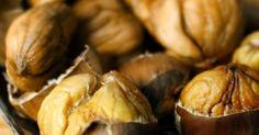 Von Weihnachtsmärkten sind sie nicht wegzudenken: Maronen oder Esskastanien gehören dazu wie Glühwein und Lebkuchen. Dabei sind Esskastanien eine gesunde Alternative zu Kalorienbomben wie gebrannten Mandeln. Hier erfahren Sie mit leckeren Rezepten, wie Sie sie selbst gut zubereiten können.
