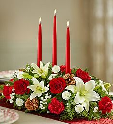 Decorate table decor with Christmas floral centerpieces! Holiday floral centerpieces come in all shapes & sizes for the best 2019 Christmas centerpieces! Flower Table Decorations, Table Flower Arrangements, Christmas Flower Arrangements, Christmas Table Centerpieces, Christmas Flowers, Table Flowers, Christmas Candles, Decoration Table, Floral Centerpieces