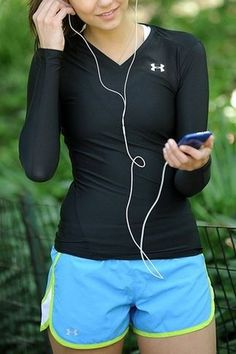 If I have any kind of fitness inspiration, it would be the lovely Nina Dobrev. Cute Gym Outfits, Sporty Outfits, Athletic Outfits, Nina Dobrev, Gym Style, Mode Style, Sport Fashion, Fitness Fashion, Fitness Outfits