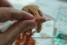 Atelie Cantinho DA ARTE: COMO CACHEAR OS CABELOS DE BONECA COM GEL
