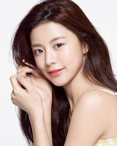 The Beauty Products Asian Makeup, Korean Makeup, Beauty Skin, Beauty Makeup, Hair Beauty, Korean Beauty Girls, Asian Beauty, Luxury Man, Bora Lim
