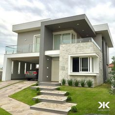 Dream home-door for the garage Bungalow House Design, House Front Design, Modern House Design, Dream House Exterior, Dream House Plans, Modern House Plans, Modern Architecture House, Architecture Design, Home Building Design
