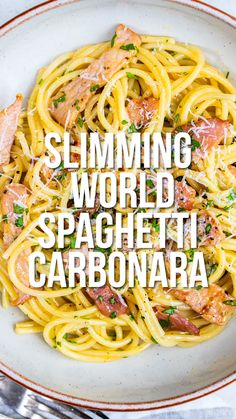This Slimming World Carbonara is super easy, uses just a handful of ingredients … Slimming World Diet Plan, Slimming World Pasta, Slimming World Dinners, Slimming World Chicken Recipes, Slimming Eats, Slimming Recipes, Aldi Slimming World Syns, Slimming World Lunch Ideas, Slimming World Fakeaway