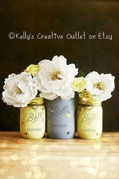 Maison Decor - jaune et gris - Mason Jar Decor - main peinte Mason Jar - Mason Jar Vase - décoration-centres de table-Baby Shower de mariage