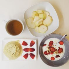 Petit-déjeuner : bowlcake fromage blanc 0% fruits et thé.   Breakfast: bowlcake yogurt 0% fruits and tea.  #breakfast #bowlcake #januarydeesse#thekaylamovement #healthychoice #csdeesse #bbg #bbggirls #bbgcommunity  #healthylife #fit #fitfam #instadiet #lifestyle #fitnessjourney #fitfrenchies #bodydeesseloading #programmedeesse #bodytime #nopainnogain #GardezLaPêche #onmangepropreetonsentraînesale #bodytimeuse #ProgrammeDéesse #déessecrew #fitlondoners #instafood #foodpic by julia_cstl