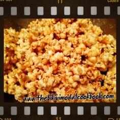 Date Night Caramel Popcorn Healthy Popcorn, Healthy Sweet Treats, Healthy Snacks, Healthy Eats, Low Carb Recipes, Cooking Recipes, Healthy Recipes, Raw Organic Coconut Oil, Coconut Benefits