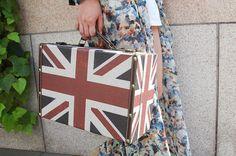 More photo at: http://www.fashionsnap.com/streetsnap/2012-05-26/16274/#