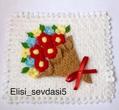 #Repost @elisi_sevdasi5 • • • Çiçek buketi lifim #lif#çiçek #buket#lif #lifmodelleri#çeyizlik#tasarım#tasarımlif#crochet#kinitting#tığişi… Filet Crochet, Moda Emo, Piercings, Instagram, Craft, Moda Masculina, Flower Baskets, Amigurumi, Body Art