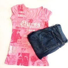 Printed Guess t shirt Super chic and pretty Guess Tops Tees - Short Sleeve