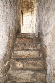 Château-Fort de Dourdan (Ile de France) - escalier