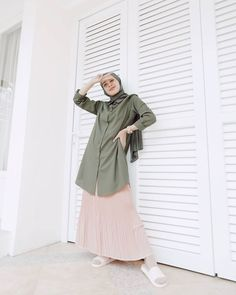Islamic Fashion, Muslim Fashion, Hijab Fashion, Fashion Dresses, Casual Hijab Outfit, Ootd Hijab, Modest Outfits, Skirt Outfits, All About Fashion