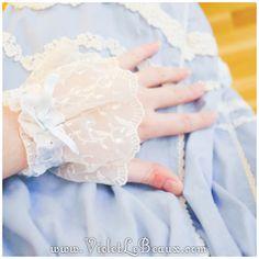 How To Sew Lolita Style Wrist Cuffs – Sew Fun - http://www.violetlebeaux.com/2014/09/sew-lolita-style-wrist-cuffs/