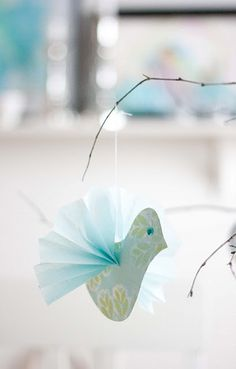 Susan kids could make these with old book pages handmade paper – Artofit Bird Crafts, Fun Crafts, Diy And Crafts, Crafts For Kids, Arts And Crafts, Paper Crafts, Paper Ornaments, Christmas Ornaments, Turquoise Christmas