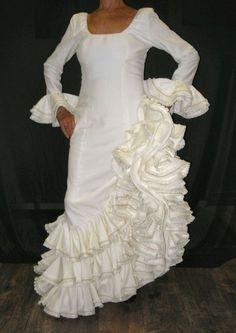 Official site for high quality flamenco supplies. Spanish Themed Weddings, Spanish Wedding, Flamenco Costume, Spanish Dress, Wedding Venues Beach, Wedding Styles, Wedding Inspiration, Wedding Ideas, Wedding Gowns