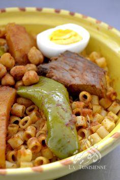 Pâtes tunisiennes au poisson – Maqrouna salsa bel hout   La Tunisienne
