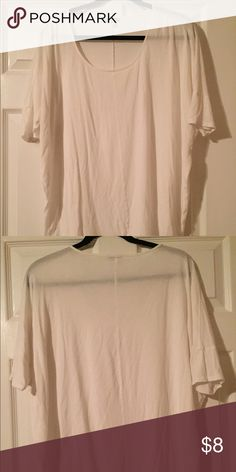 Express Women's White Blouse Size M Express Women's White Blouse Size M  Seam down the center Some piling but still in great shape Express Tops Blouses