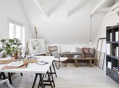 Meem's Magical Emporium For The Curiously Inclined — gravityhome: Art studio ideas // requested by. Art Studio Room, Art Studio Design, Art Studio At Home, Home Art, Studios D'art, Gravity Home, Interior Decorating, Interior Design, Basement Remodeling