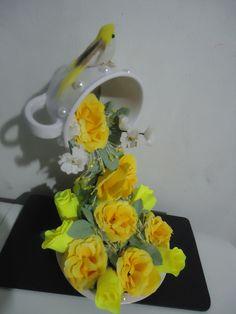 Cascata de flores: R$ 45,00 para mais informações acesse: www.facebook/Giarts.com
