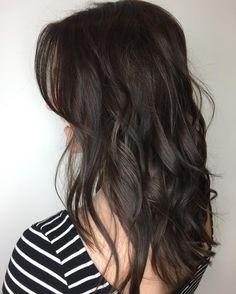 36 Beautiful Dark Winter Hair Color In 2018 - - Dark Brown Hair Rich, Dark Hair, Hair Color Balayage, Hair Highlights, Brown Balayage, Winter Hairstyles, Pretty Hairstyles, Permed Hairstyles, Espresso Hair Color