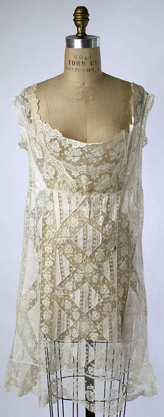 Chemise Date: 1910s Culture: American or European Medium: [no medium available] Dimensions: Length at CF: 28 3/4 in. (73 cm) Credit Line: Gift of Diana Vreeland, 1973 Accession Number: 1973.329.4