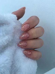 Short almond nails: 50 chic manicure ideas - in # short manicure ., Short almond nails: 50 chic manicure ideas - in manicure varnish -. Cute Acrylic Nails, Acrylic Nail Designs, Matte Nails, Nude Nails, Gradient Nails, Holographic Nails, Almomd Nails, Nail Art For Girls, Girls Nails